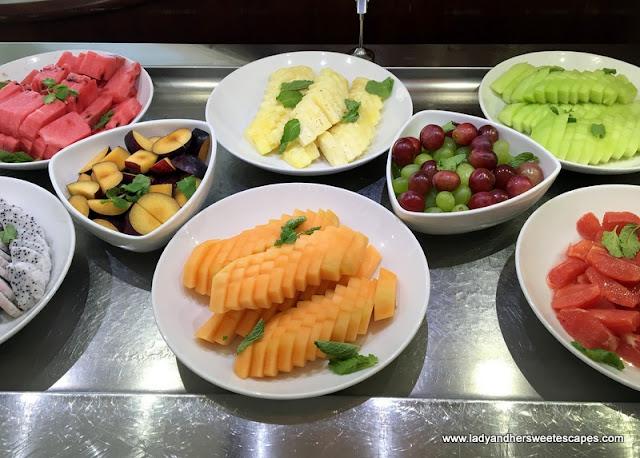 fruits at Danat Jebel Dhanna Resort