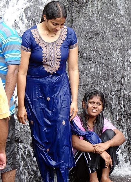 Andhra aunty blowjob and saree strip - 2 part 5