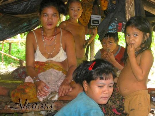 perempuan suku anak dalam