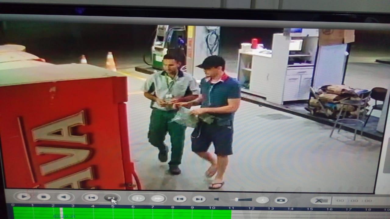 Suspeito de assaltar posto e chutar filhote de gato é preso pelo BPRaio; Veja o vídeo