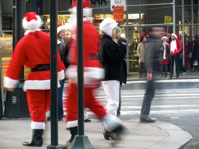 Santa-Con-in-Midtown-Manhattan-NYC