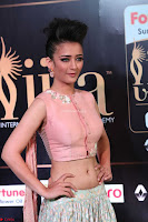 Akshara Haasan in Peachy Crop Top Choli Skirt at IIFA Utsavam Awards 33.JPG