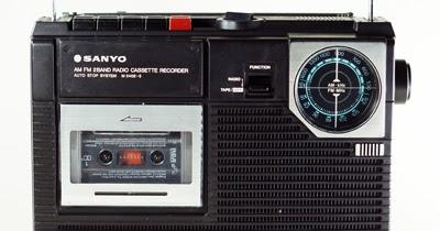 Sanyo M 2402-3 Vintage Radio Cassette Player ~ Vintage Gadgets