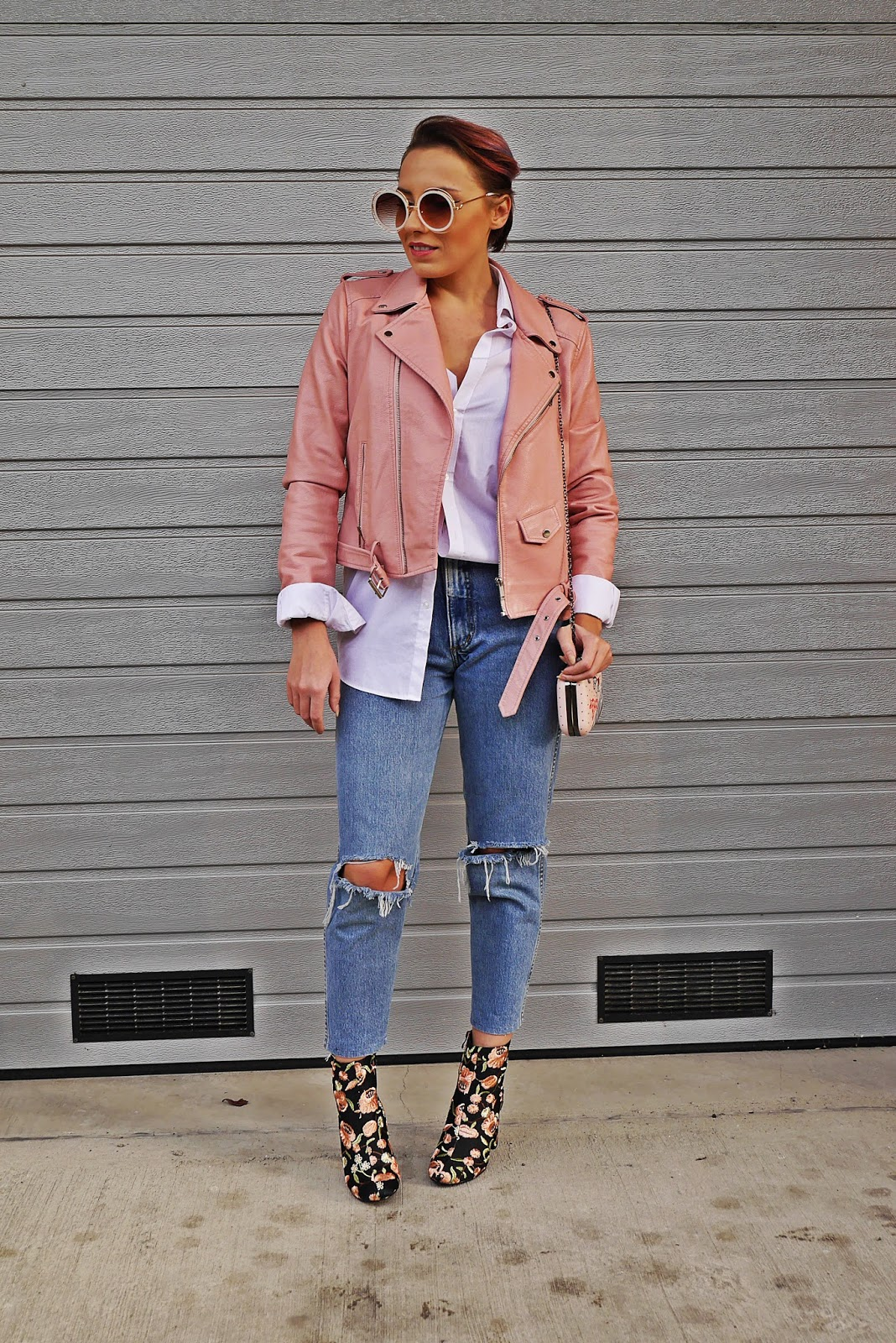 3_pink_leather_jacket_embroidery_boots_outfit_karyn_blog_modowy_271017s