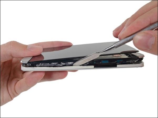 Thay màn mới cho điện thoại HTC 10
