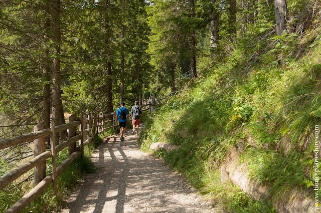 Lago di Carezza Karersee Dolomitas Italia ruta viaje