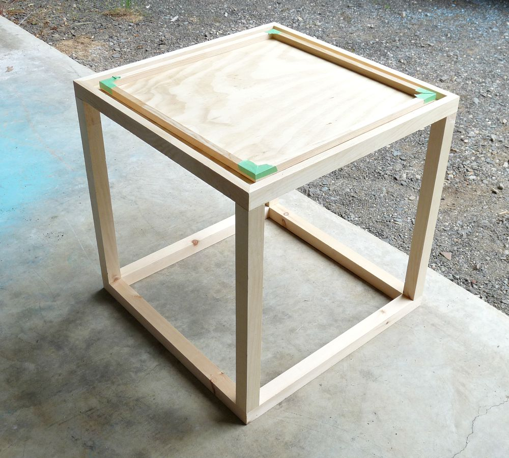 Build this cute cube table