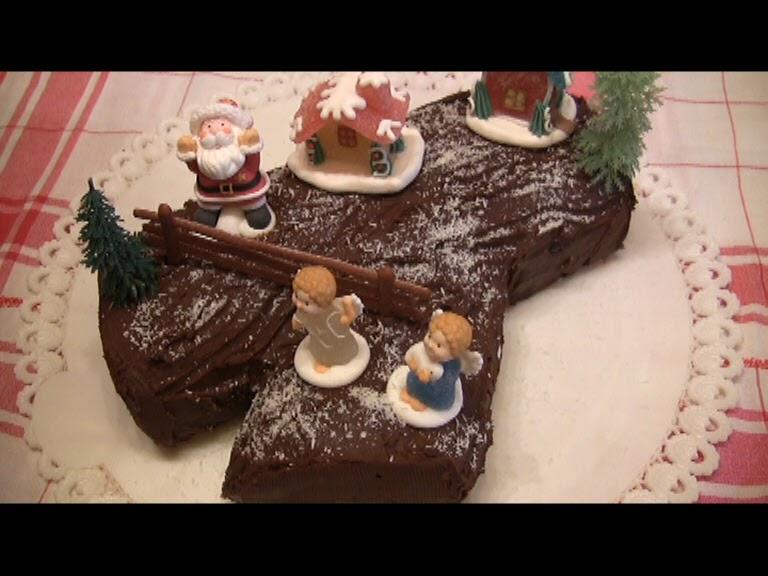 Come Decorare Un Tronchetto Di Natale.Il Bellissimo Mondo Di Antonella Decorating Tronchetto Di Natale