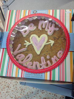 Valentines Cake Decorations Tesco : Kev s Snack Reviews: Valentines In Shops - Luuurve Edition ...