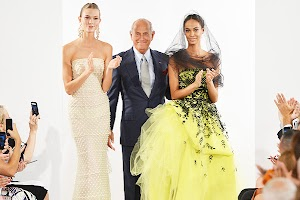 Fashion Week in New York 2013 : showing Oscar de la Renta