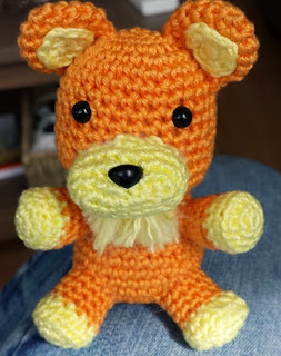 http://translate.googleusercontent.com/translate_c?depth=1&hl=es&rurl=translate.google.es&sl=en&tl=es&u=http://crochetnanigans.wordpress.com/2014/04/06/fatestay-night-sabers-lion-plush-small-version/&usg=ALkJrhjDh2aznpafm3GVWEQiaZvmi8WMFA