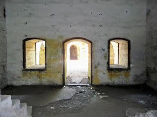 Тараканівський (Дубенський) форт. Внутрішні приміщення казарми