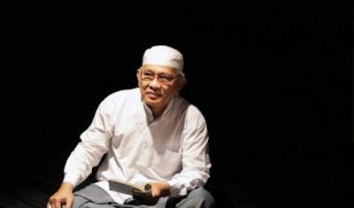 """Puisi: Surabaya (Karya Mustofa Bisri)"""