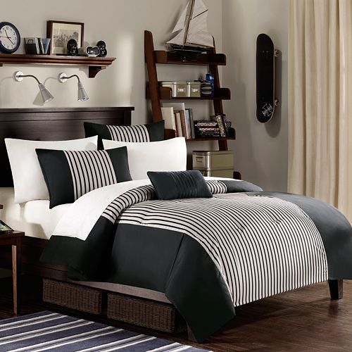 Chic Cheerful Bedroom Decor Done In Black And White Cappuccino Wood