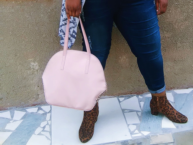 ackermans boots, leopard print ankle boots, how to style plus size denim