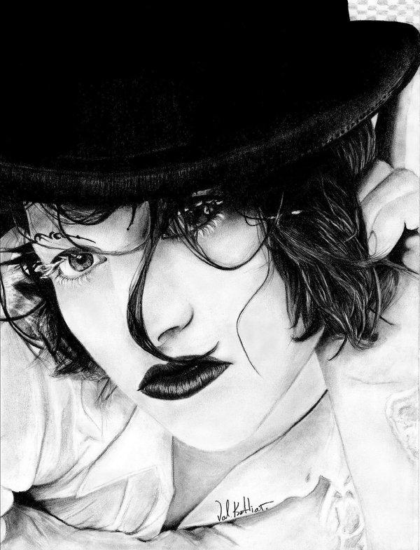 02-Amanda-Palmer-Valerie-Kotliar-Celebrities-and-Unknown-Immortalised-in-Realistic-Drawings-www-designstack-co