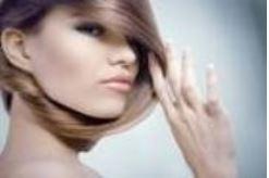 Danos aos cabelos que causam perda de proteínas dos fios