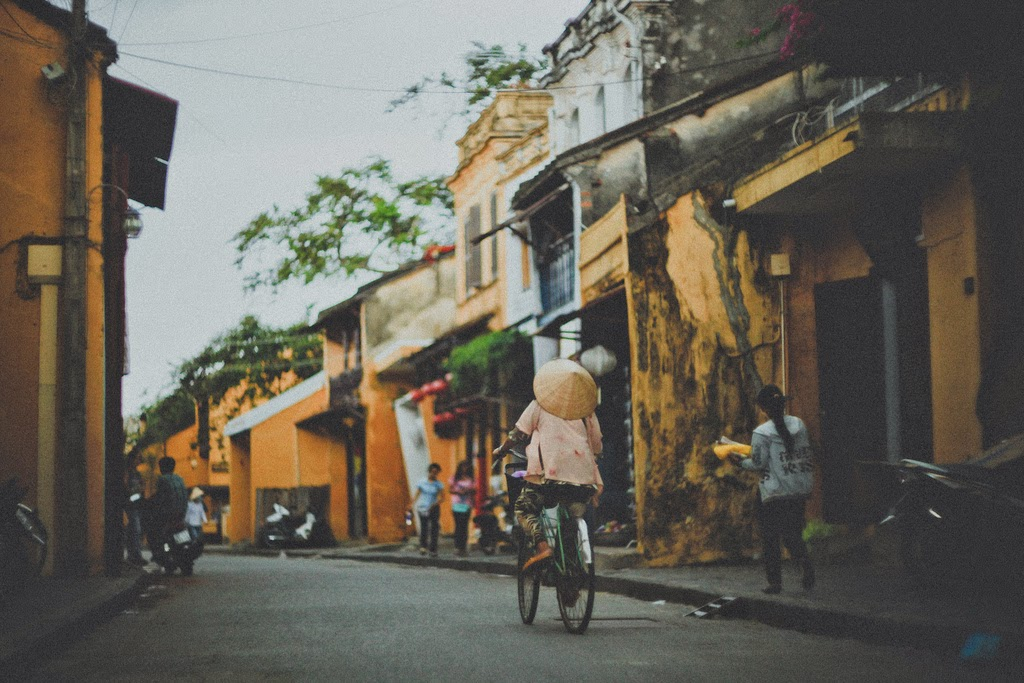 Hoi An odl Town and street style, beautiful places in Vietnam through eyes of foreigners, new beautiful places to see in Vietnam