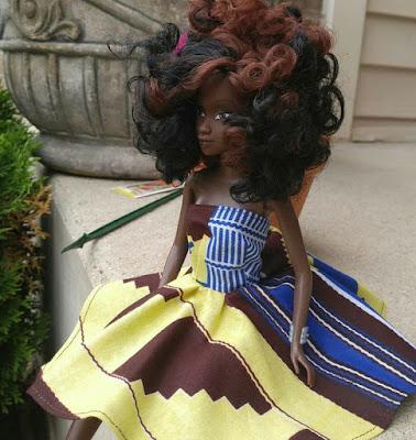 Африканка куклы с пышными волосами