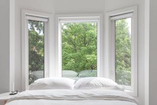 House Tour: Tra Minimalismo e Bianco In Questa Casa Di Toronto