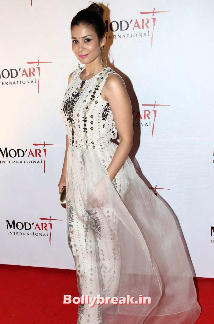 Shaheen Abbas, Hazel Keech, Shamita Singha at Mod'Art International Fashion Institute's Fashion Show
