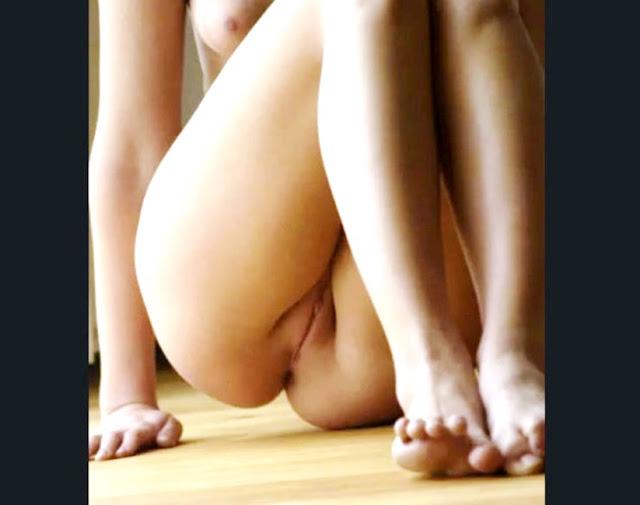 женские ноги эротика WWW.EROTICAXXX.RU красивые женские ножки (18+)