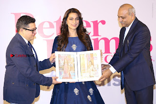 Bollywood Actress Juhi Chawla Launchs Better Homes 10th Anniversary Celetion Cover  0044.JPG