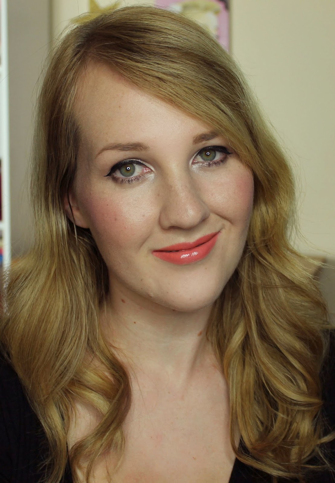ZA Vibrant Moist Lipstick - OR222 swatches & review