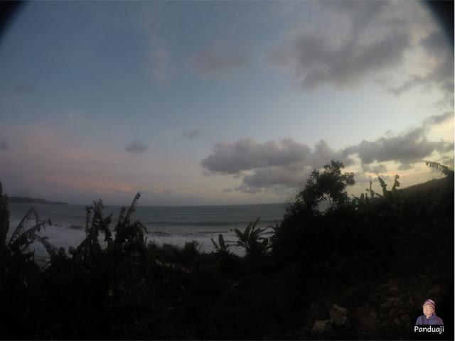 Kelap Kelip Keramba di Pantai Soge