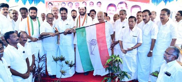 Palakkad, Kerala, DCC, News, Election, Jai Ho, Padayatra, LS Polls: March started by Palakkad DCC