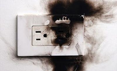 Instalaciones eléctricas residenciales - Contacto quemado