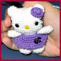 Mini Hello Kitty amigurumi
