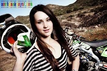 Sara Price Pembalap Motocross Tercantik Dunia