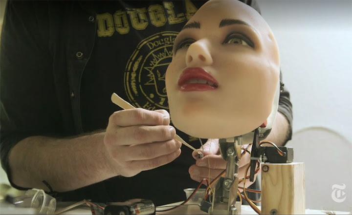Роботизированная голова резиновой женщины  | Секс с роботом
