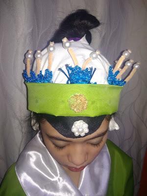 Laodan Peking Opera headdress