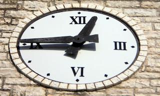 το ρολόι στο Μαραντοχώρι της Λευκάδας