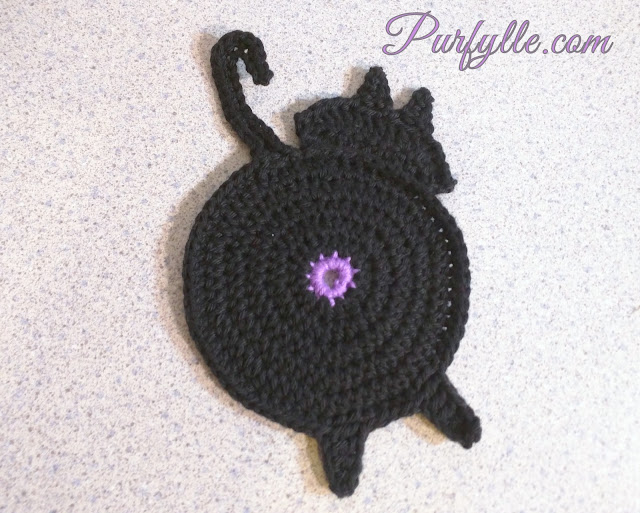 Peeking Puss-cat | Crochet Cat Coaster