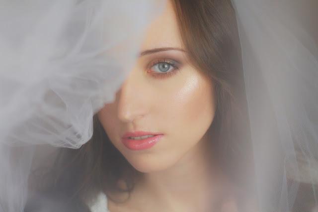 utrwalenie makijażu ślubnego