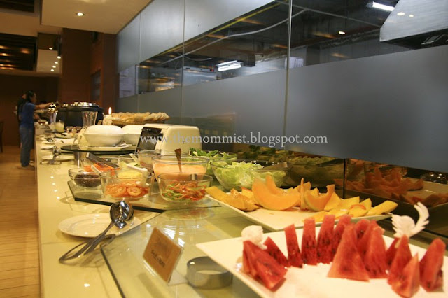 Buffet fruit and salad station