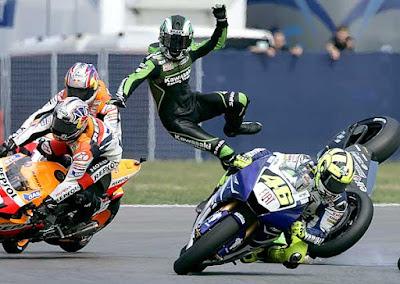 Acidentes incríveis de motos