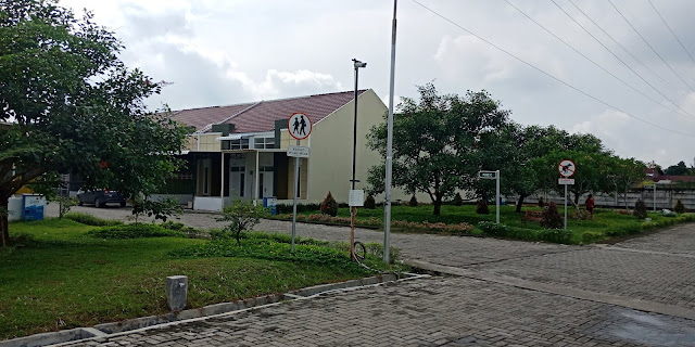 Row Jalan Rumah Tipe Pine Green Park Jl. STM Kampung Baru Medan Sumatera Utara