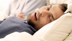Penyebab Seseorang Sering Mengigau Saat Tidur
