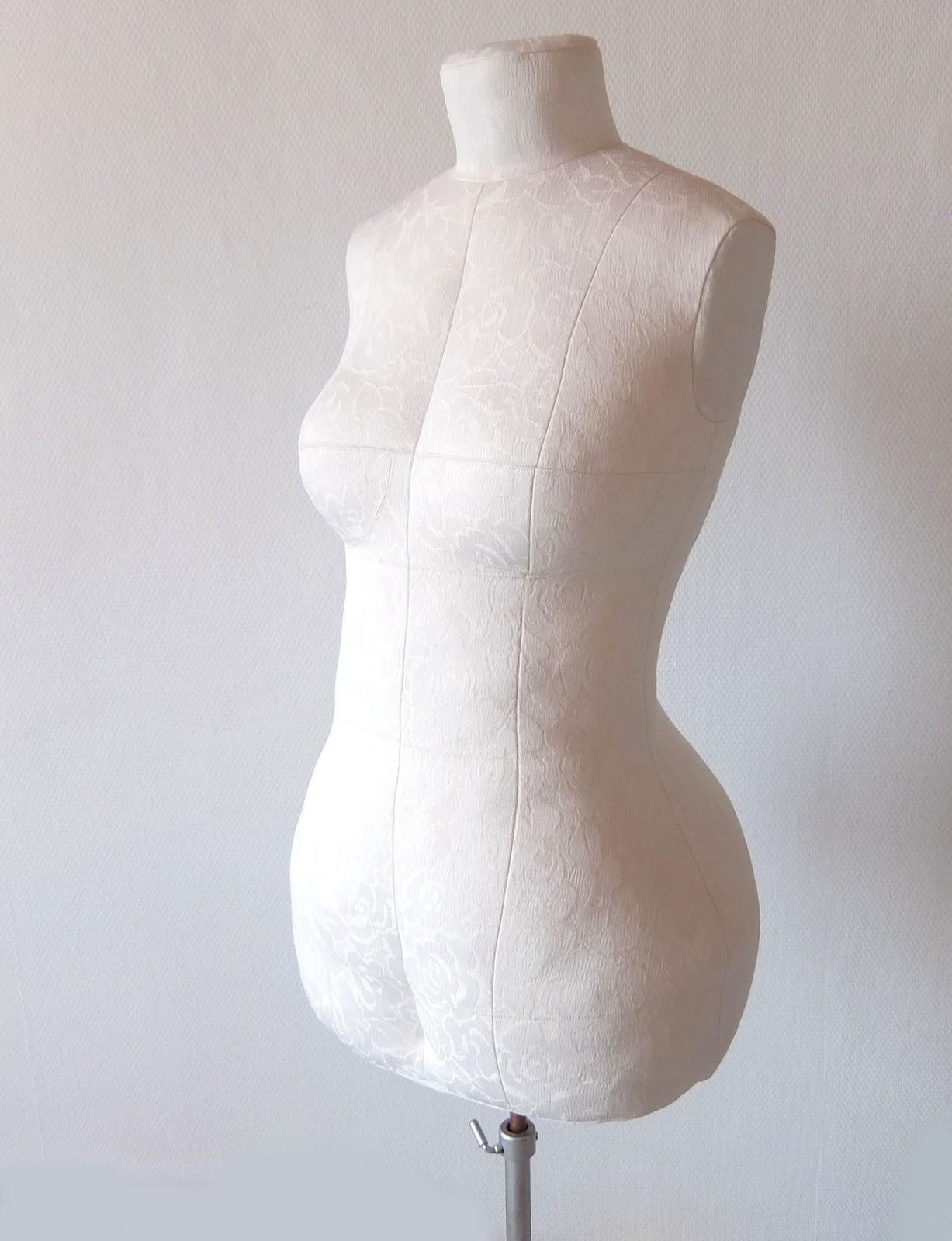 un mannequin de couture a mes mesures