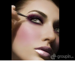 Simple eye makeup for brown eyes