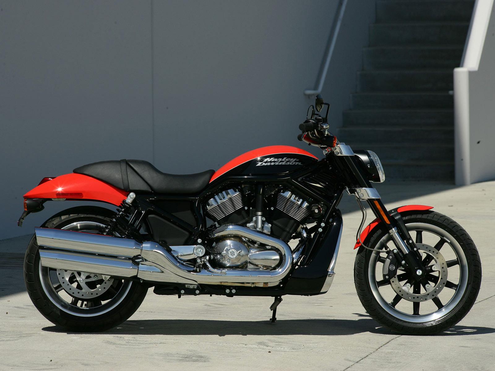 Harley Davidson: Harley-Davidson Insurance. 2007 VRSCR Street Rod Pictures