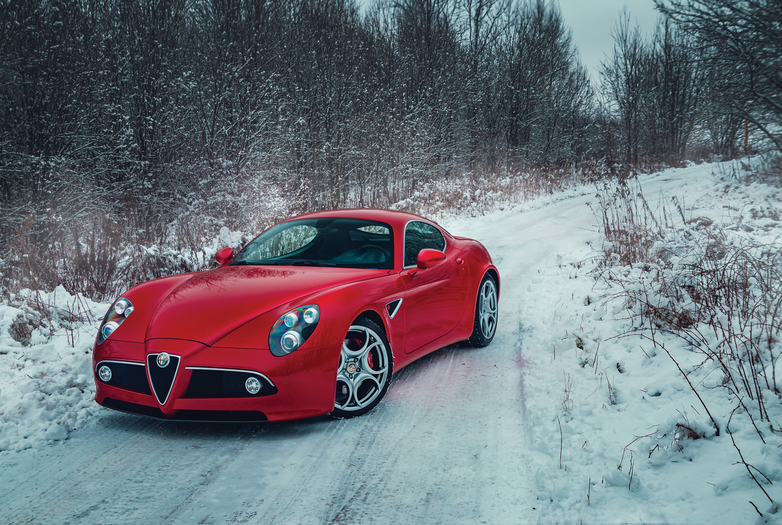 alfa romeo 8c competizione is still gorgeous a decade later carscoops. Black Bedroom Furniture Sets. Home Design Ideas