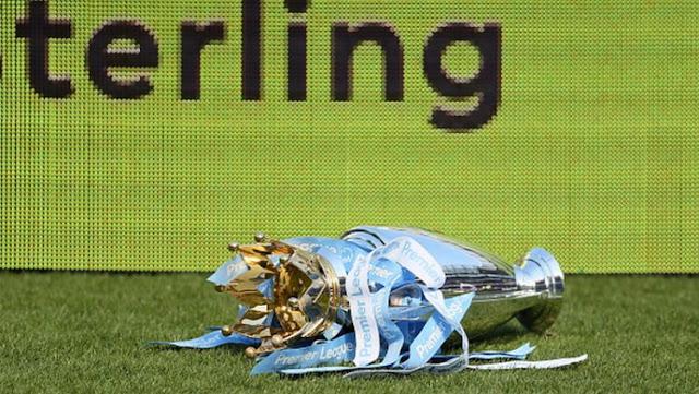 Lupa Diri, Pemain Muda Manchester City 'Buang' Trofi Liga Primer Inggris