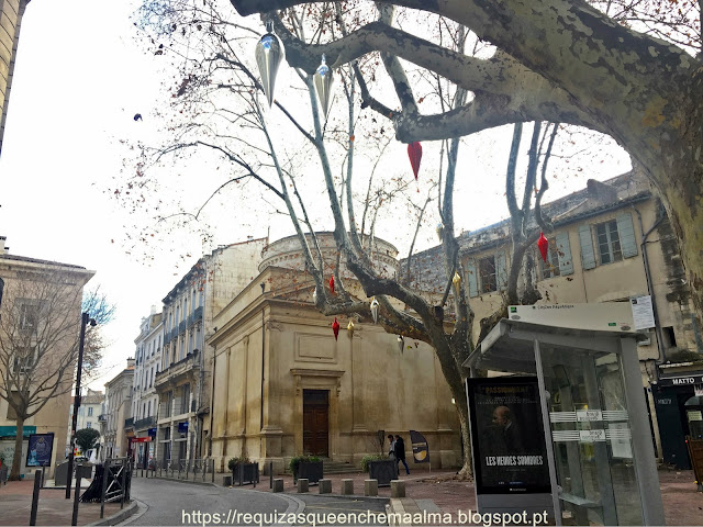 Praça de Jerusalém, Sinagoga de Avignon