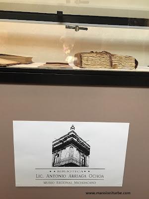 Libros en la Biblioteca Antonio Arriaga Ochoa en el Museo Michoacano