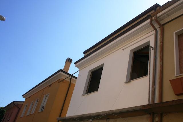 intonaco e vernice a calce lime plaster and paint mortar